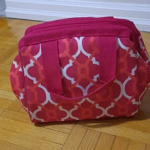 Insulated lunch / travel bag